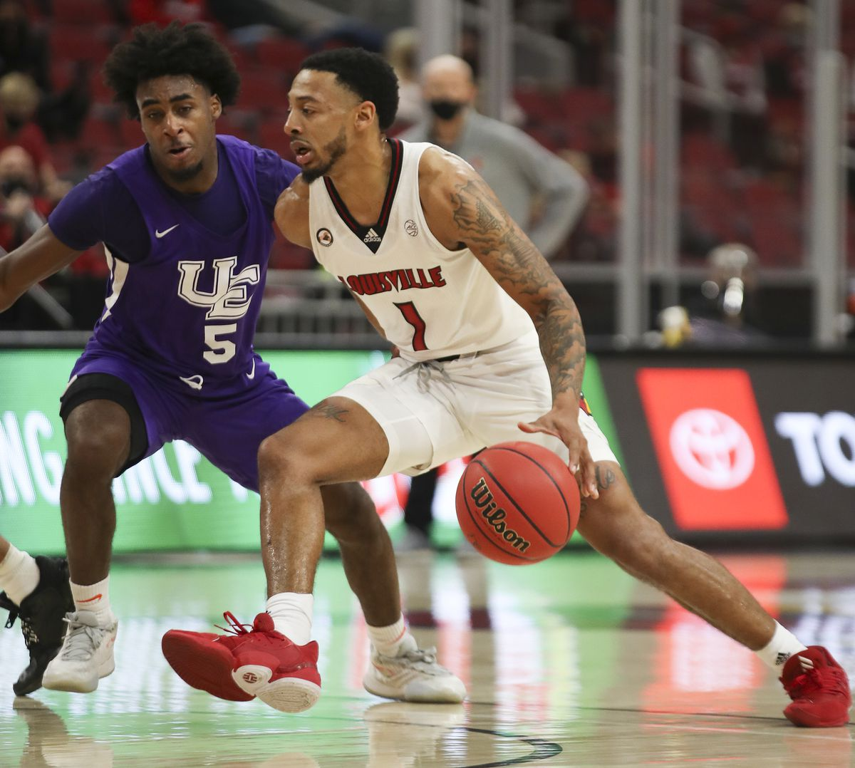 NCAA Basketball: Wade Houston Tipoff Classic-Evansville at Louisville