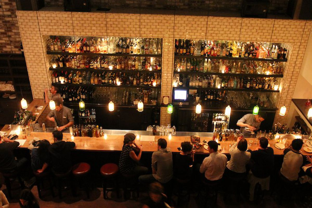 The bar at Lolinda.