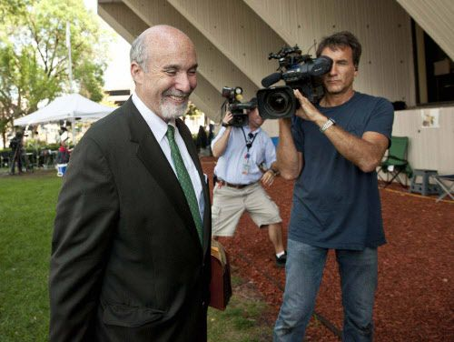 Attorney Joel Brodsky talks to reporters during the Drew Peterson trial in 2012. | Sun-Times file photo.