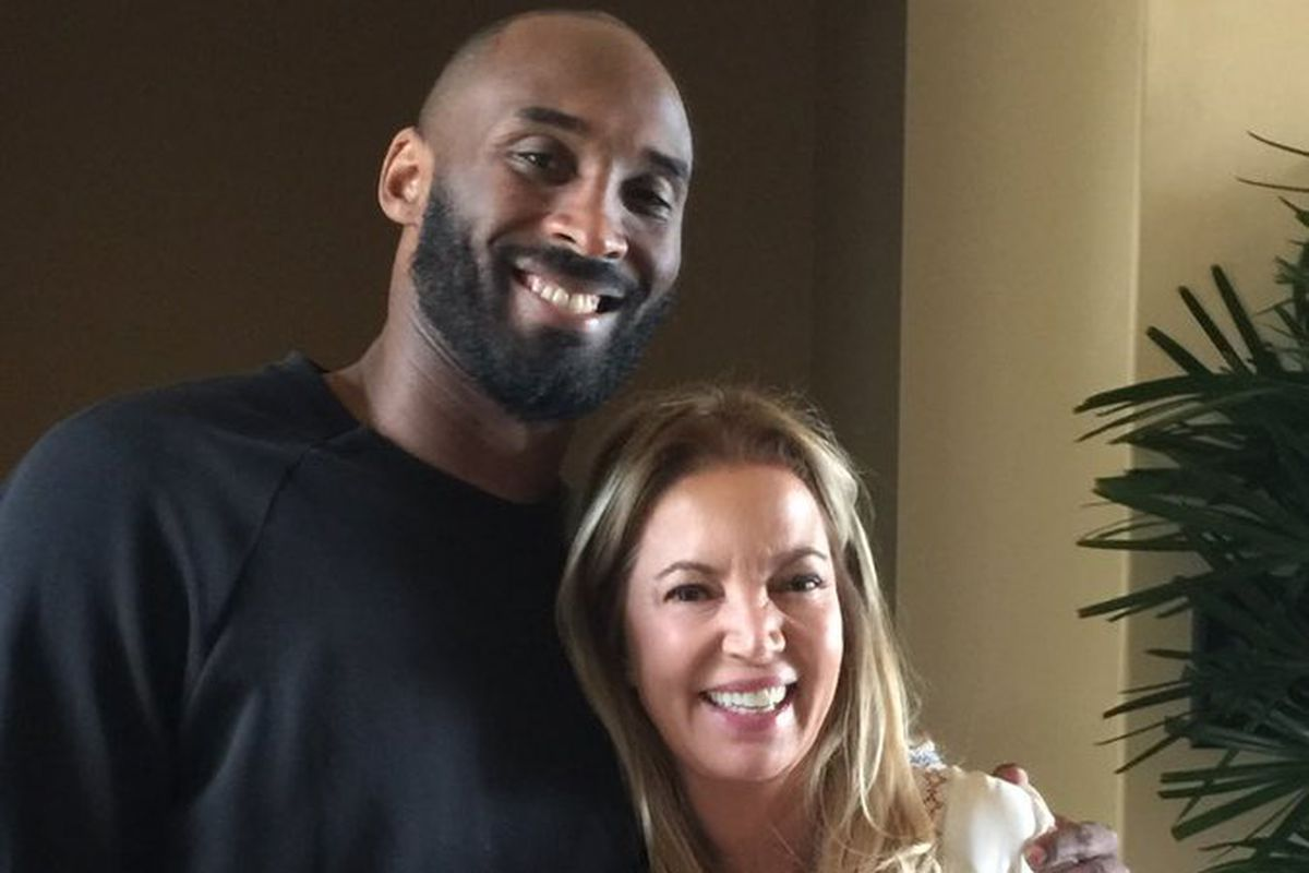 Lakers News Jeanie Buss Spent Time With Kobe Bryant Last