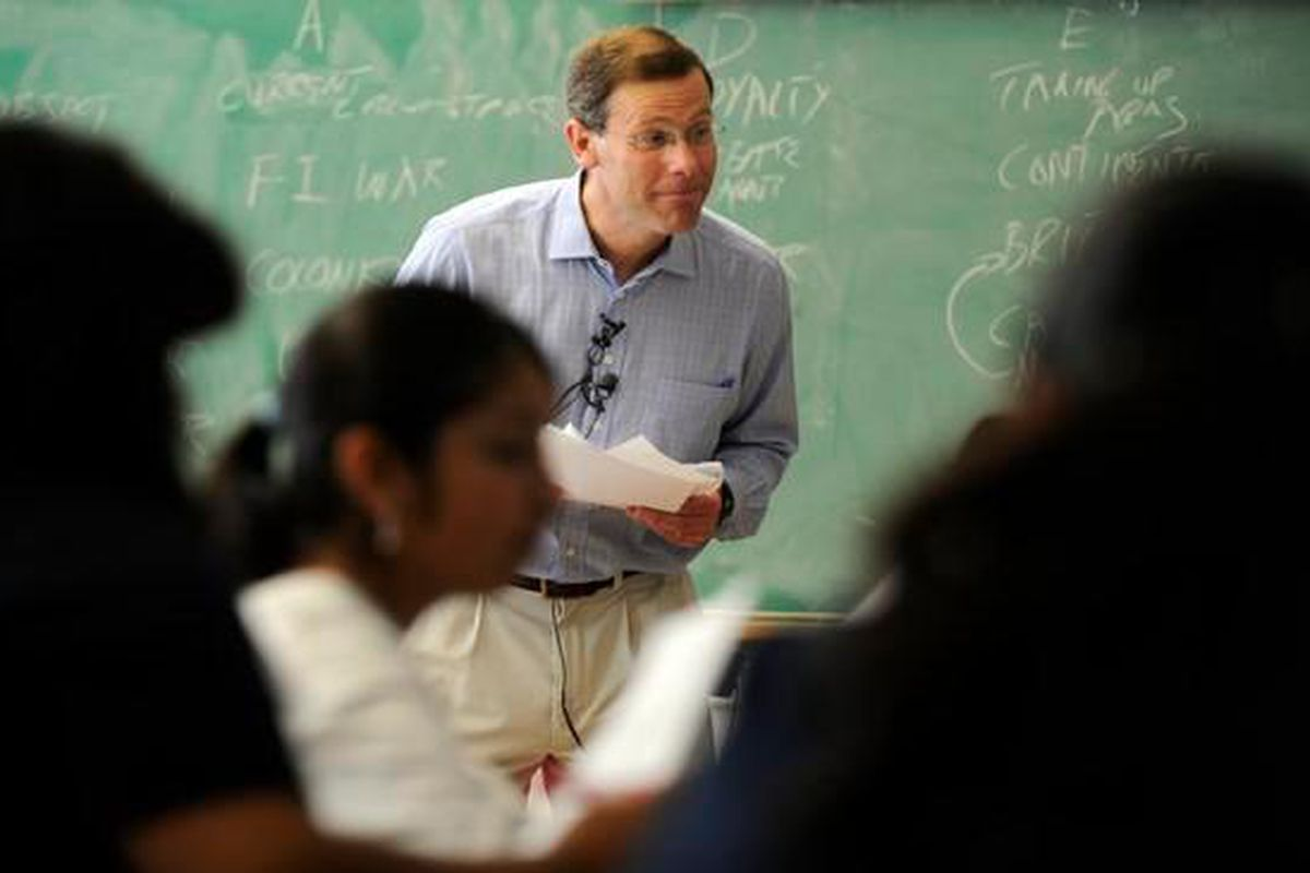 Denver Public Schools Superintendent Tom Boasberg guest teaches an Advanced Placement history class at Lincoln High in 2009.