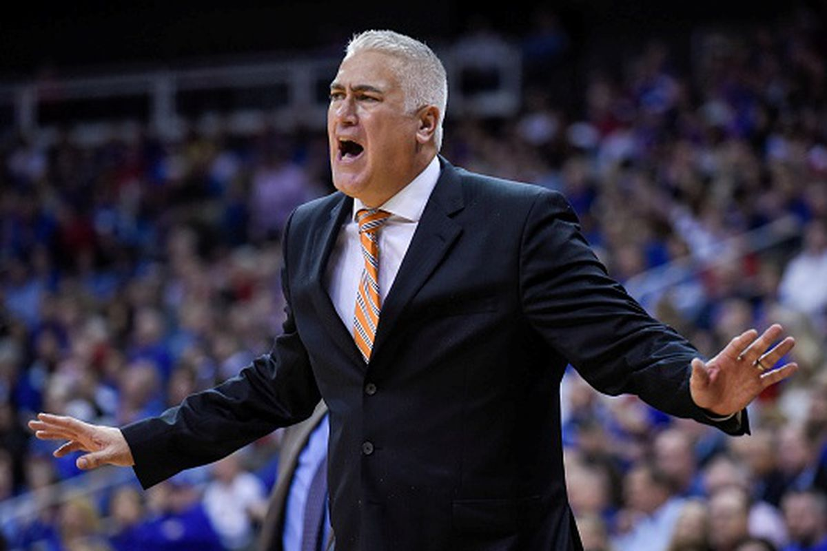 Oregon State and Coach Wayne Tinkle must decide what to do about strreaky UCLA tonight.