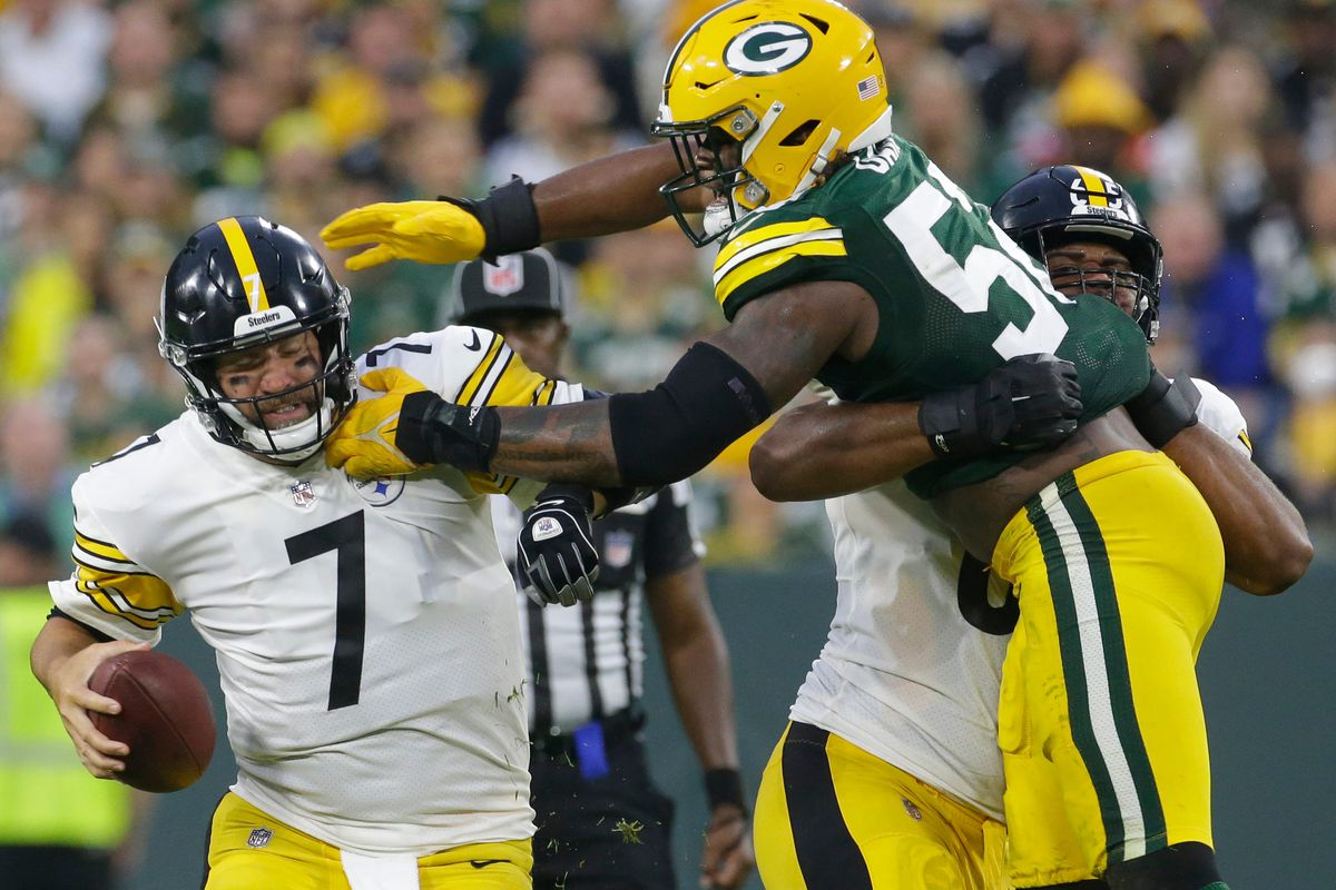 Green Bay Packers linebacker Rashan Gary (52) sacks Pittsburgh Steelers quarterback Ben Roethlisberger (7) during the fourth quarter of their game Sunday, October 3, 2021 at Lambeau Field in Green Bay, Wis. Green Bay Packers beat the Pittsburgh Steelers 27-17. Packers
