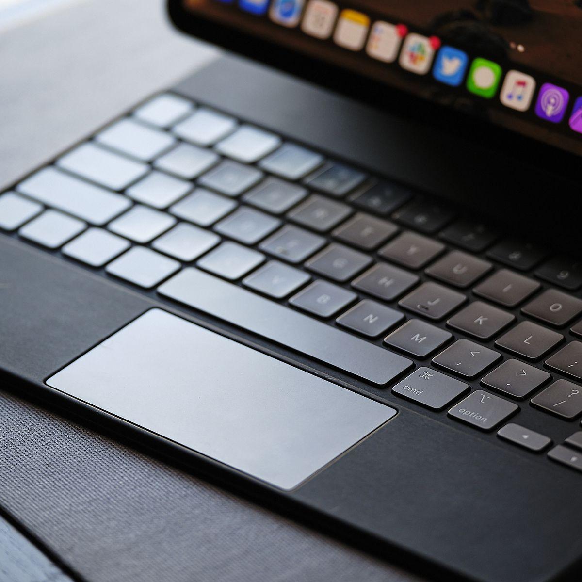 Apple'ın Magic Keyboard'u birkaç perakendecide hala 100 $ indirimli 13