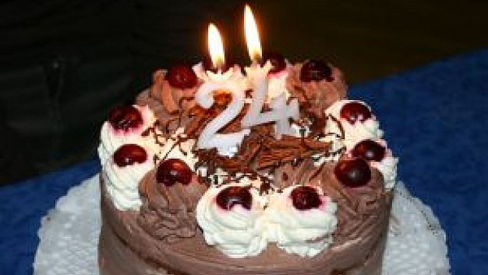 Birthday_cake_with_candles_shaped_24_277771.0