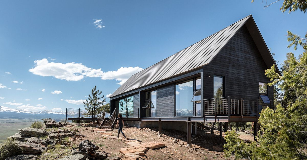 Energy efficient modern cabins perch on colorado cliff for Energy efficient cabin