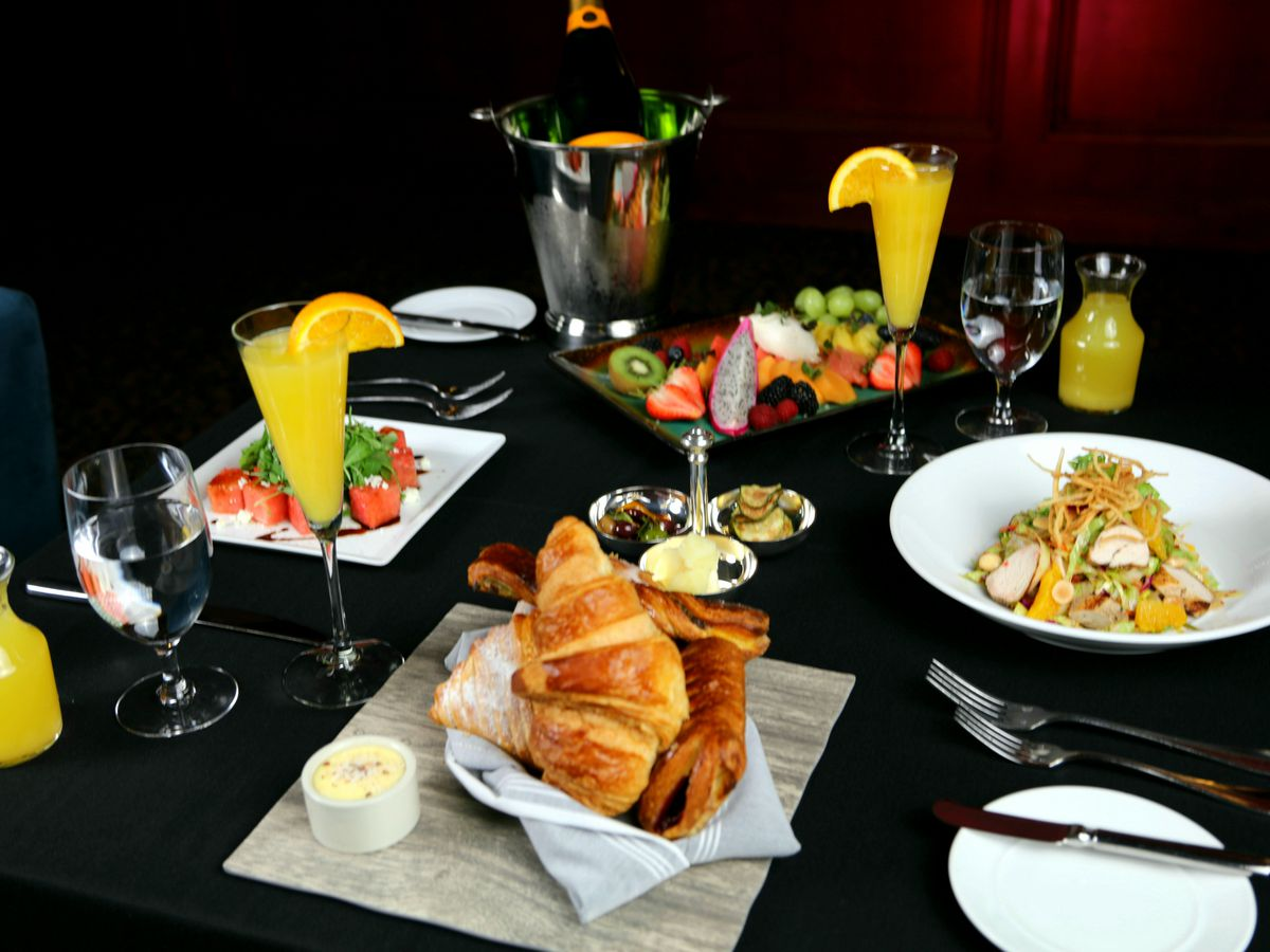 Brunch at The Stirling Club