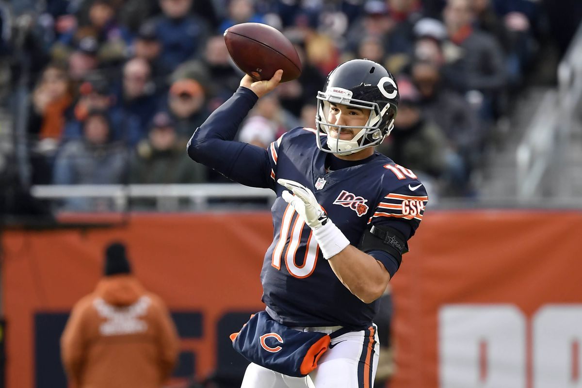 Chicago Bears quarterback Mitchell Trubisky passes the football in the second half against the New York Giants at Soldier Field.