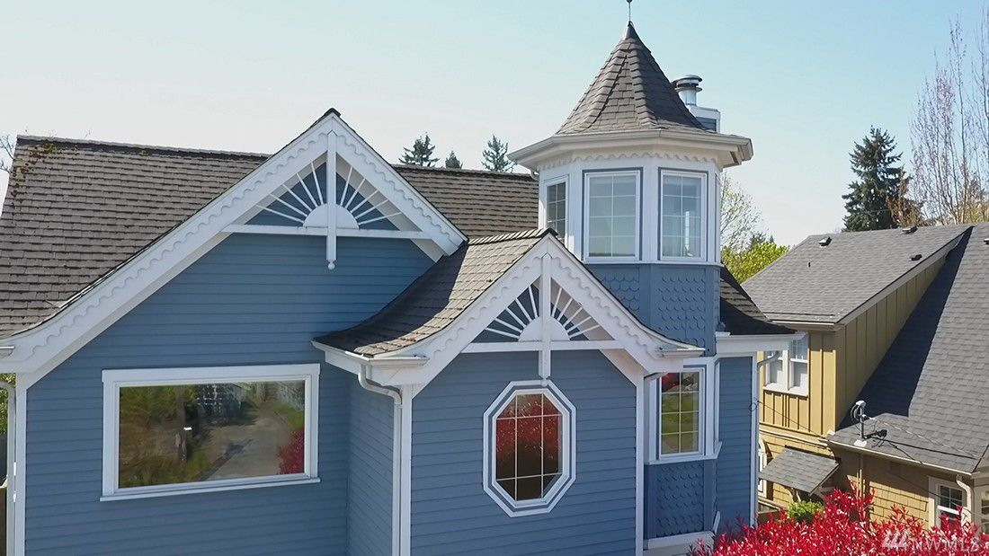 A Recently Remodeled Victorian Has Come Onto West Seattle S Market At 895 000 From The Curb It Is Easy To Enjoy Ornamental Wood Work Along Eaves