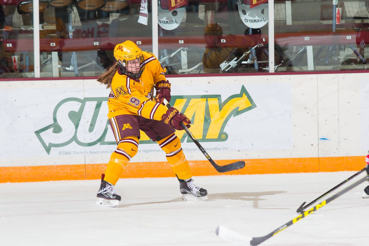 Kelly Pannek (19) has an 18 game scoring streak that dates back to the 2015 Frozen Four semifinal against Wisconsin, this weekend's opponent.