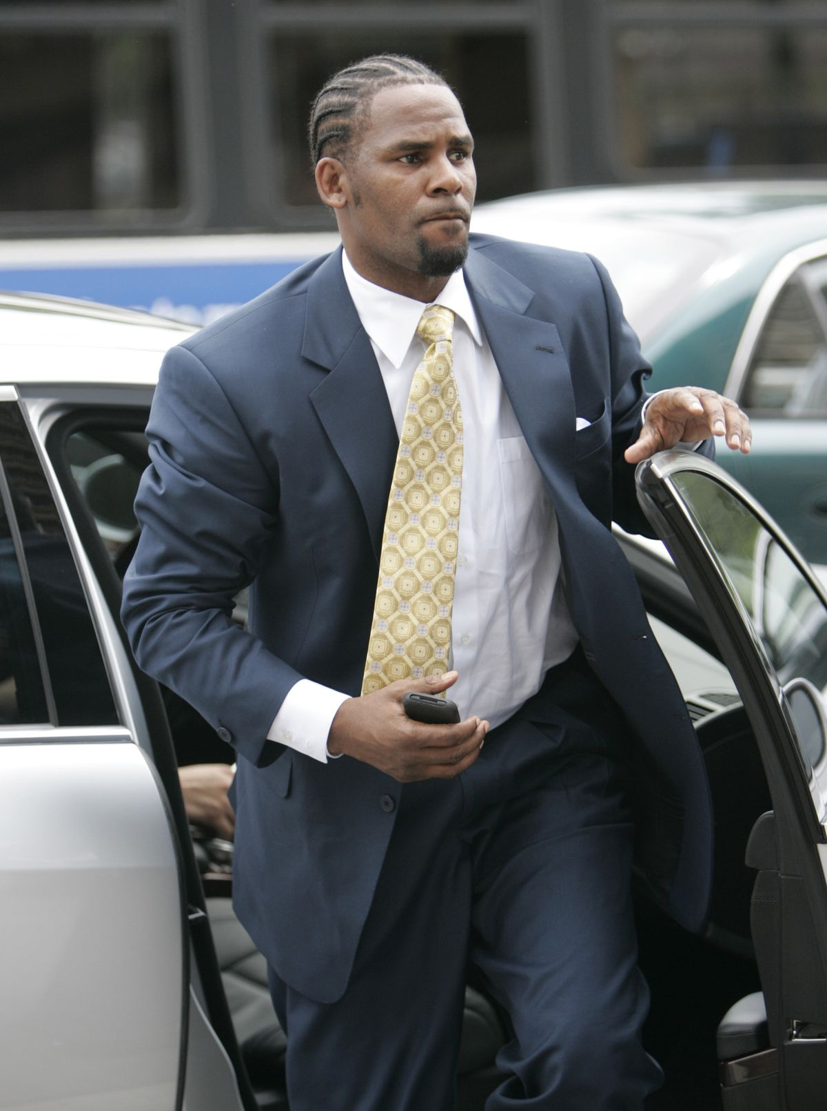 R. Kelly arrives the Cook County Criminal Court Building in 2008 when Ed Genson was representing him.   AP Photo/Nam Y. Huh, File