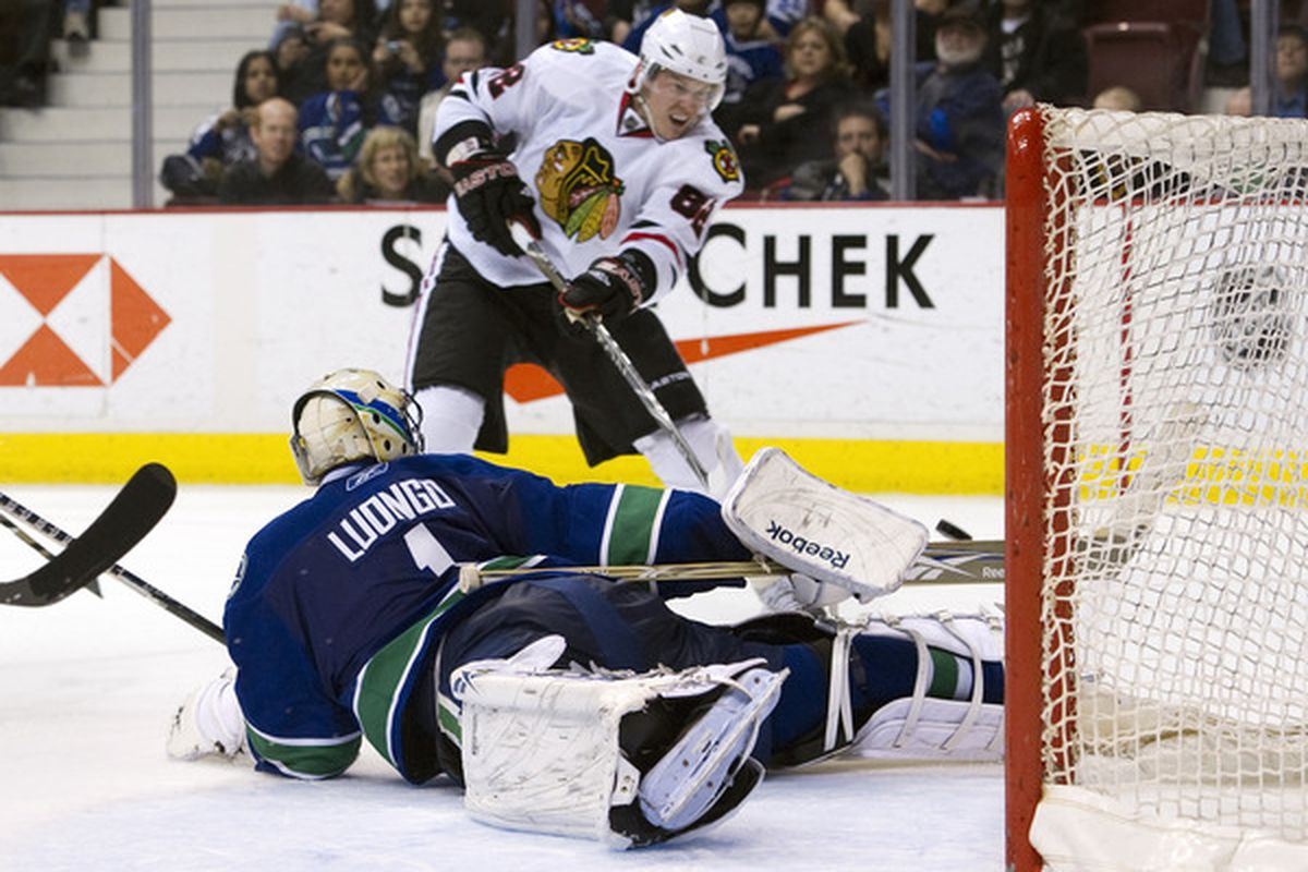 Can Roberto Luongo hold off the defending Cup champs tonight in Vancouver?