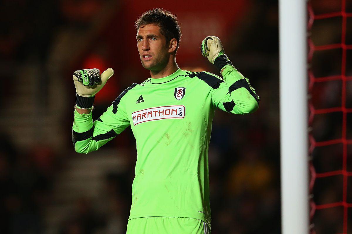 Maarten Stekelenburg in action for Fulham at St. Mary's