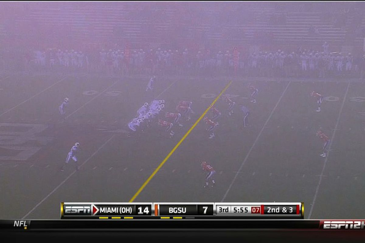 """The Bowling Green fog is getting thicker. AND LEON'S GETTING LLLLLARRRRGER (via <a href=""""http://www.mocksession.com/30fps/2010/11/2010-november-10-22-16-50.html"""" target=""""new"""">bubbaprog/30fps</a>)"""