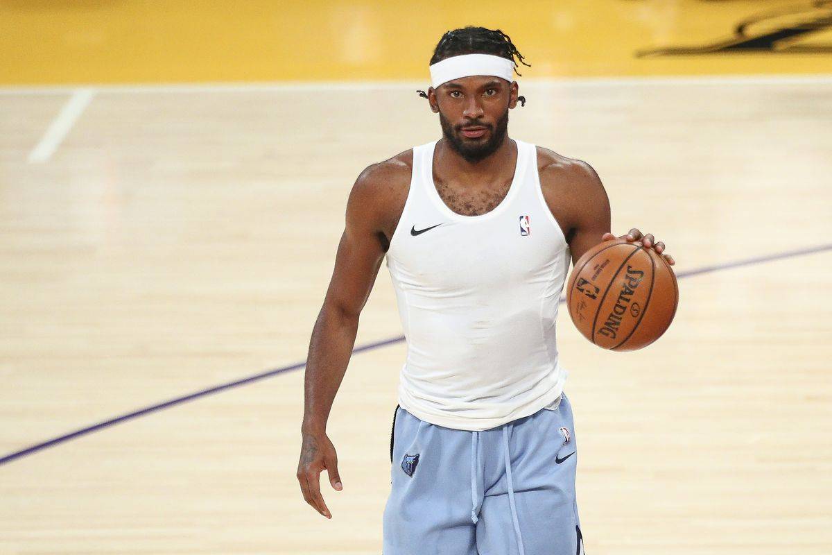 Justise Winslow of the Memphis Grizzlies warms up before the game against the Los Angeles Lakers at Staples Center on February 12, 2021 in Los Angeles, California.