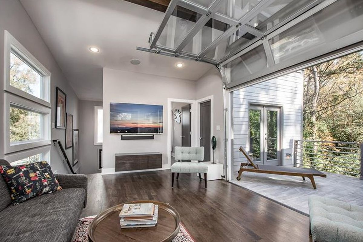 Modern House In East Atlanta Flaunts Rooftop Party Zone For 650k
