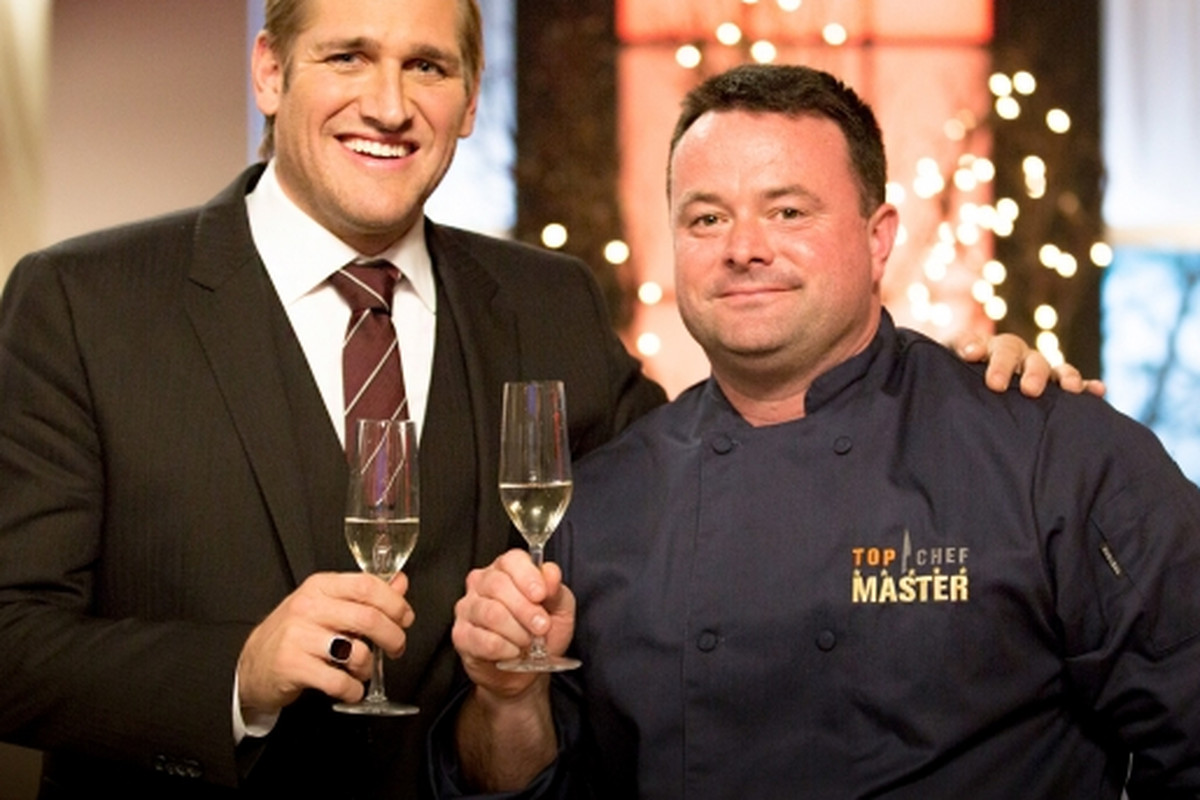 Keane and host Curtis Stone.