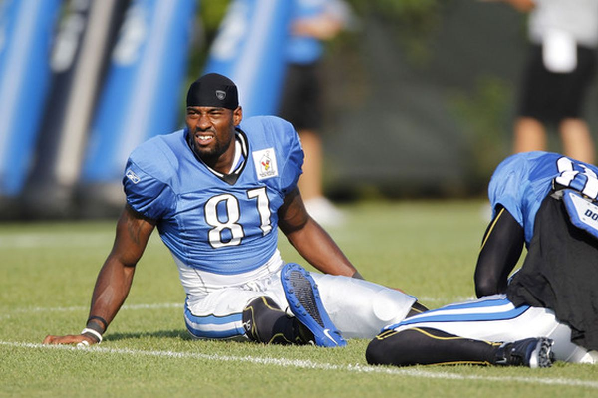 ALLEN PARK MI - AUGUST 05:  Calvin Johnson #81 of the Detroit LIons stretches during training camp at the Detroit Lions Headquarters and Training Facility on August 5 2010 in Allen Park Michigan.  (Photo by Gregory Shamus/Getty Images)