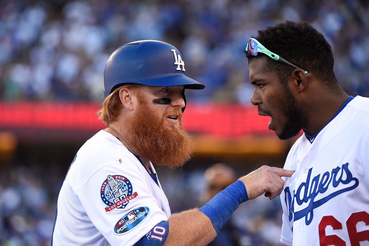 League Championship Series - Milwaukee Brewers v Los Angeles Dodgers - Game Five