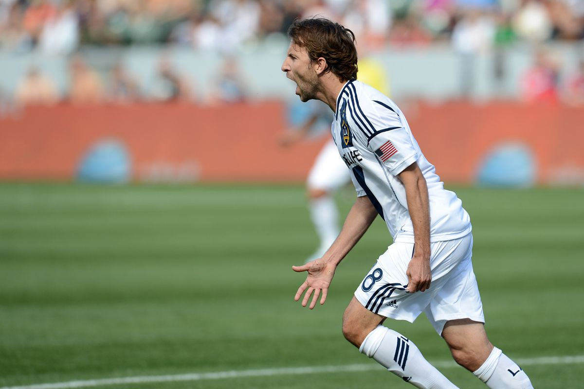Hey LA - see this Mike Magee? You like this Mike Magee? NOT YOURS.