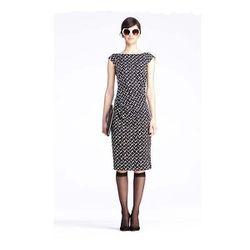 "<a href=""http://www.dvf.com/Gabi-Dress/D5335001L12,default,pd.html?dwvar_D5335001L12_color=DSHWB&start=10&cgid=dresses&srule=surprise-sale""><b>DVF</b> Gabi Dress</a> $255.50 (was $365)"