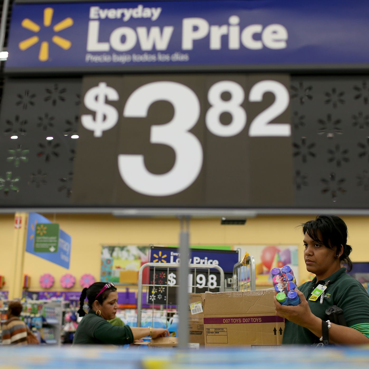 Walmart lawsuit: Women are suing again over gender