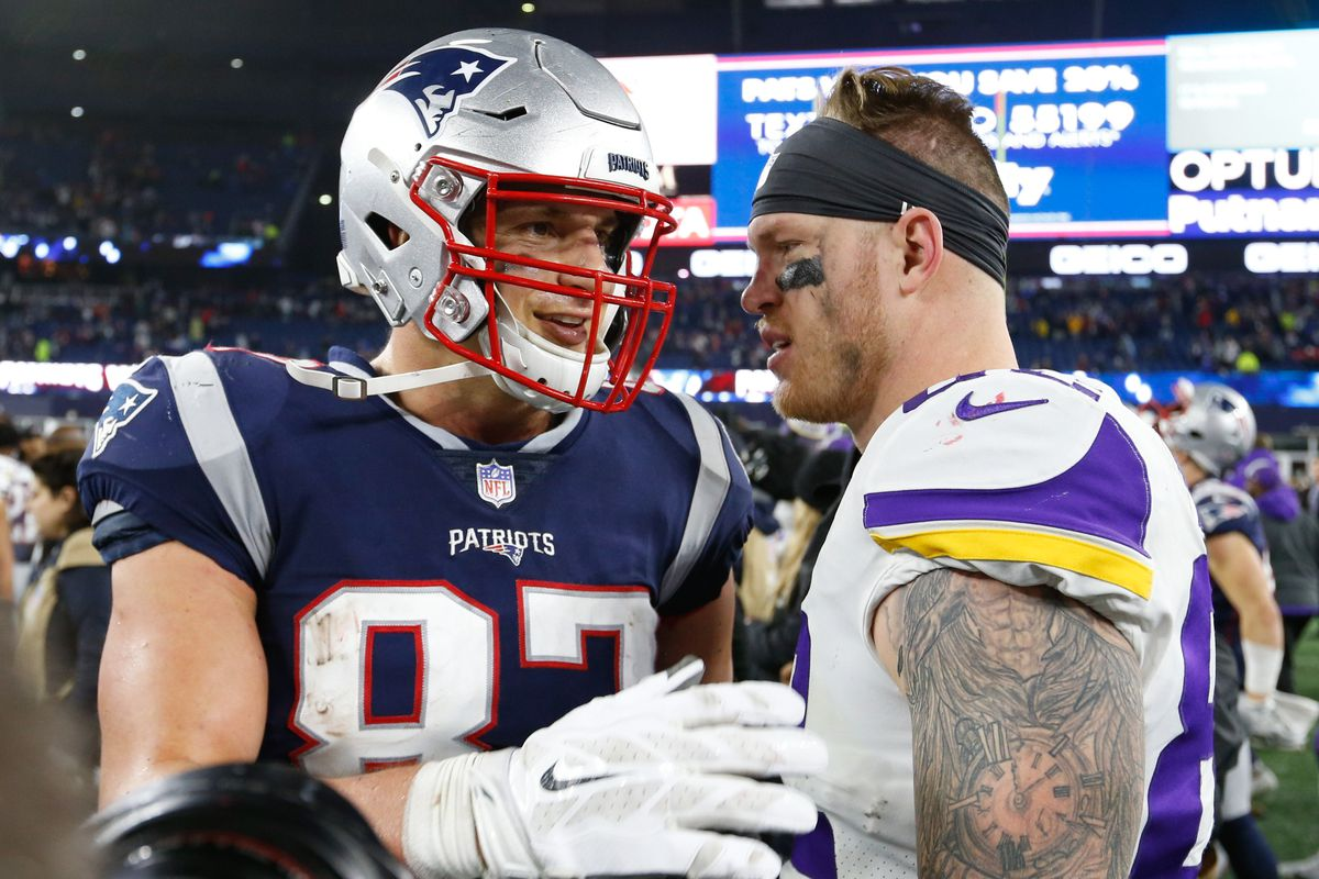 watch d46eb 671a1 Schefter: Don't expect Patriots to trade for Kyle Rudolph ...