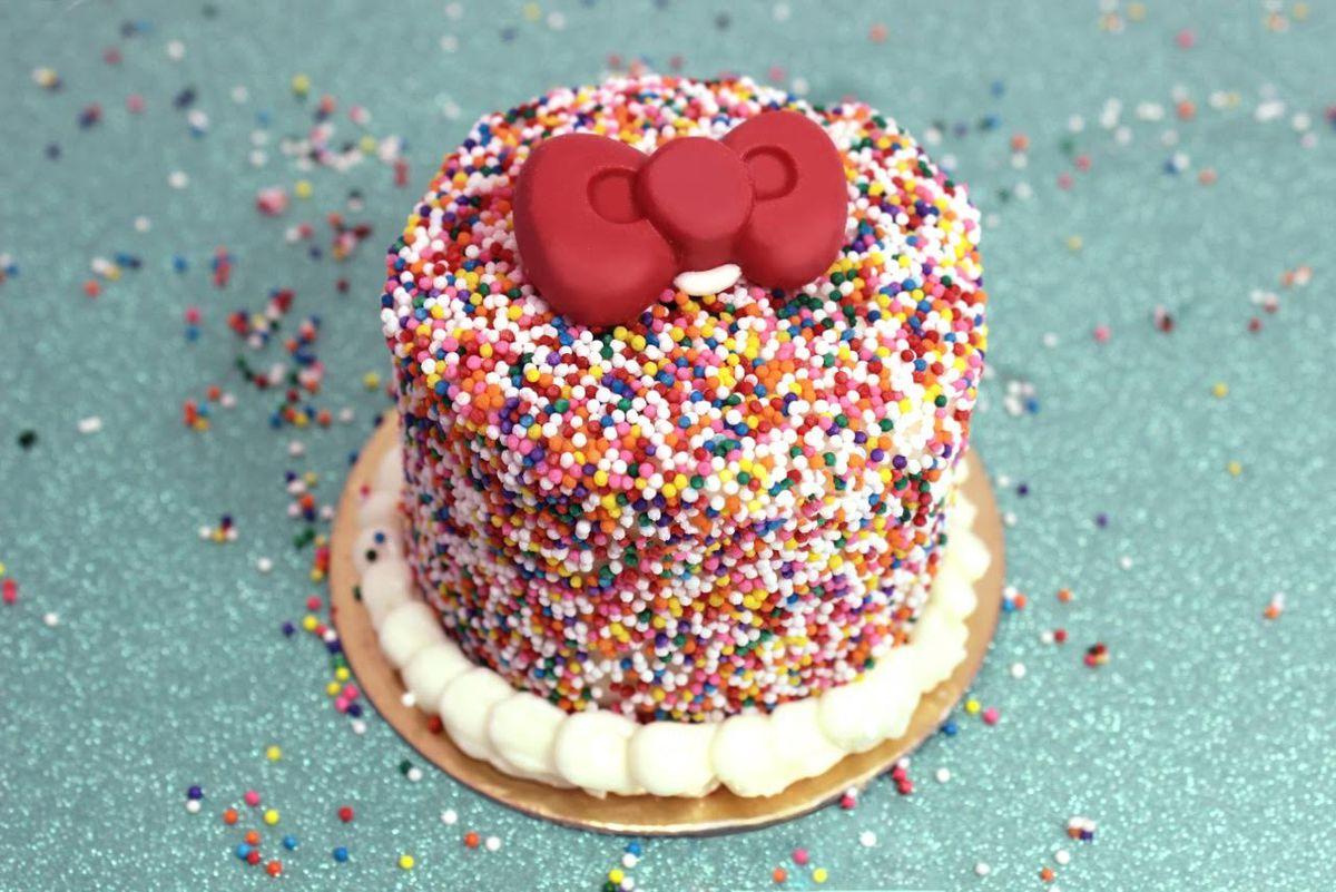 Hello Kitty Cafe cake