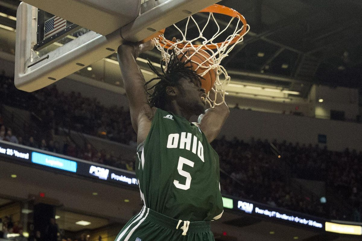 A big dunk in the second half by Maurice Ndour sealed the Flashes fate.