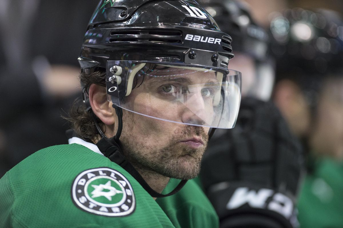 NHL trade rumors 2017: Patrick Sharp not available for ...