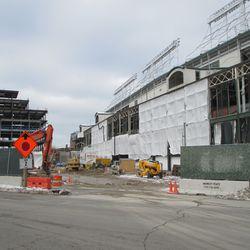 Thu 12/31: view through southwest gate on Clark Street -