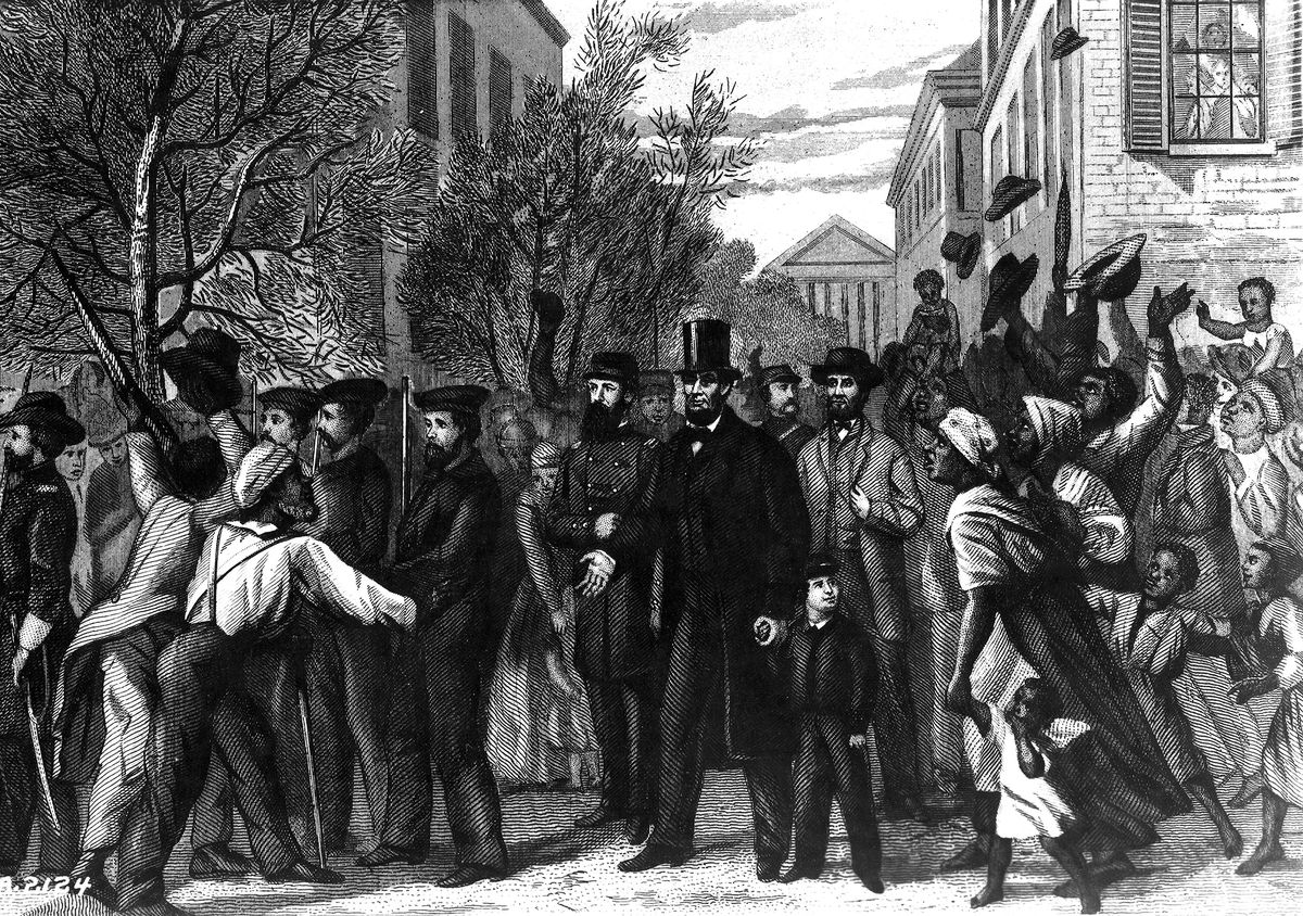 Lincoln was eagerly greeted by former slaves in Richmond. (Photoquest/Getty Images)