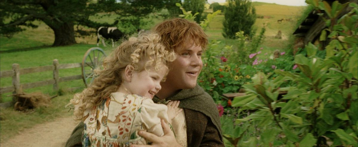 Sam holds his daughter at the end of the king's return.