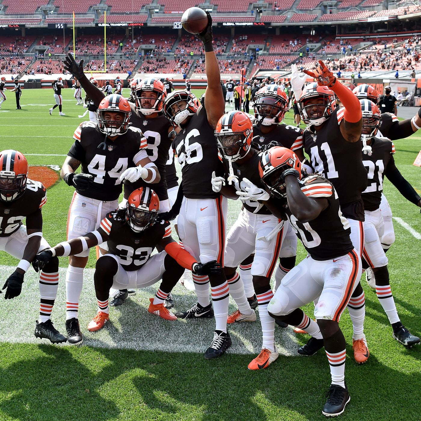 Browns Vs Football Team Final Score Cleveland Forces 5 Turnovers Beats Washington 34 20 Dawgs By Nature