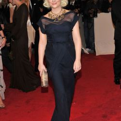 Amy Poehler in  J. Mendel. We're a little jealous of whoever gets to sit at her table.