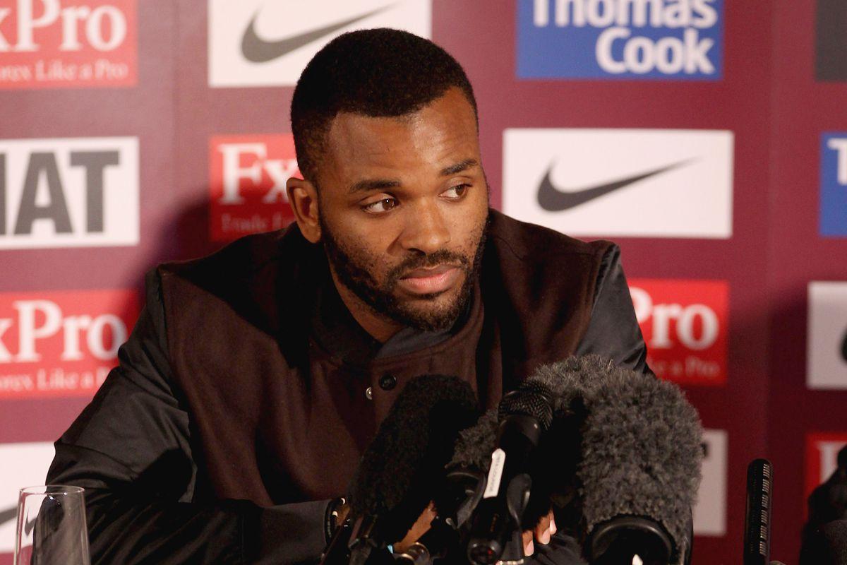 Darren Bent Signs For Aston Villa
