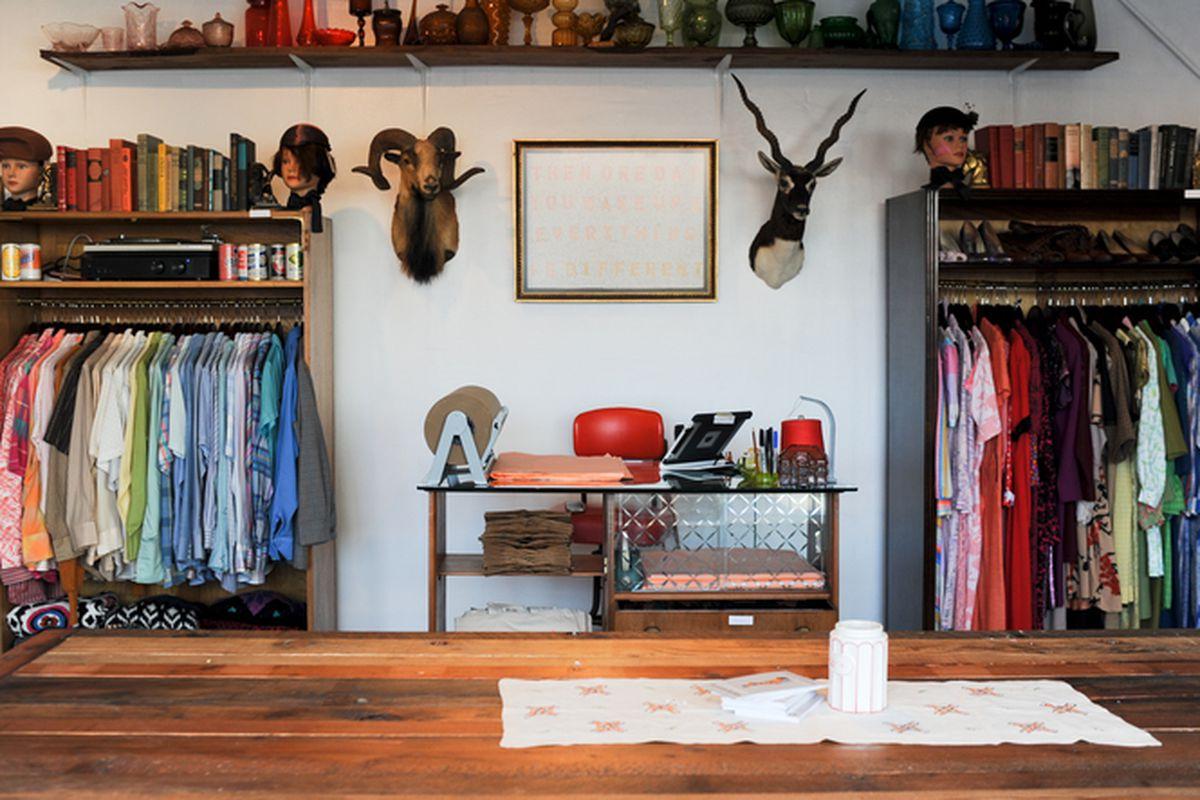 "Photo via <a href=""http://electricblanketsf.com"">Electric Blanket</a>"