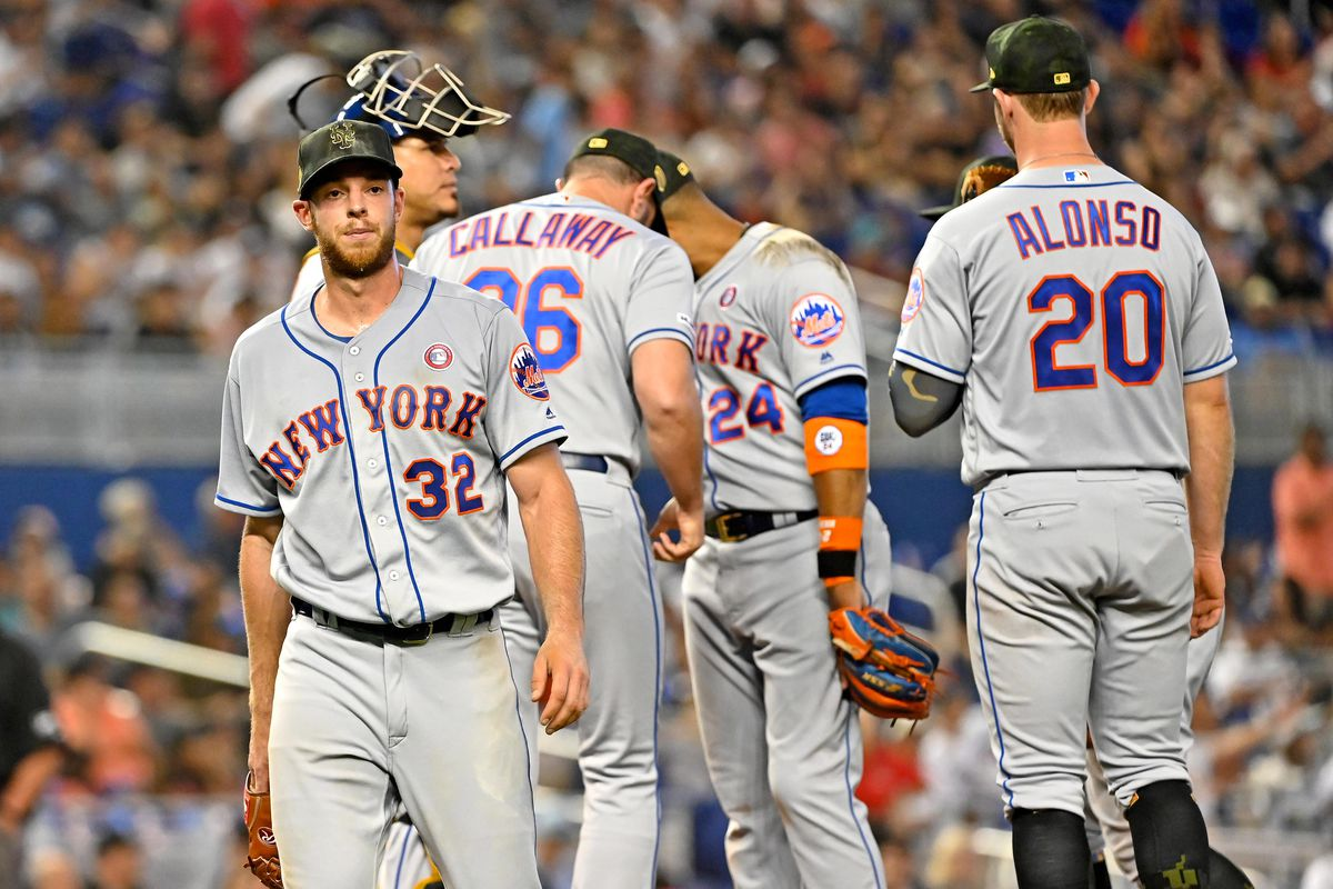 Mets Morning News: Sleeping with the fishes