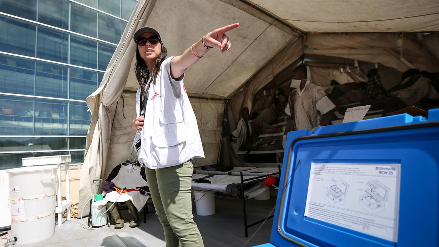 Humanitarian workers demonstrate struggles, dilemmas faced by refugees