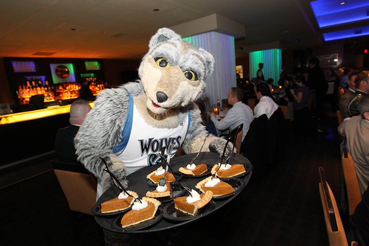 Minneosta Timberwolves Give Thanks Event