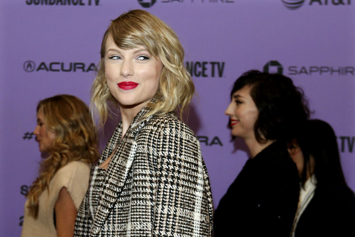 After Folklore Taylor Swift Joe Alwyn Spend Time In Utah Deseret News
