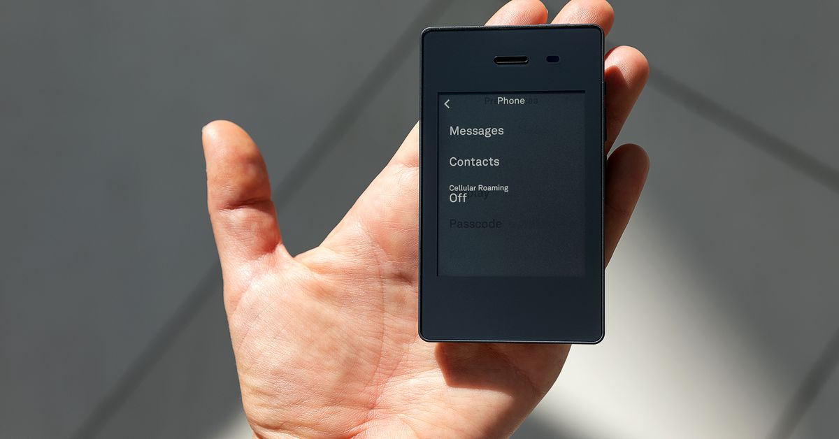 Light Phone 2: the high hopes of the low-tech phone
