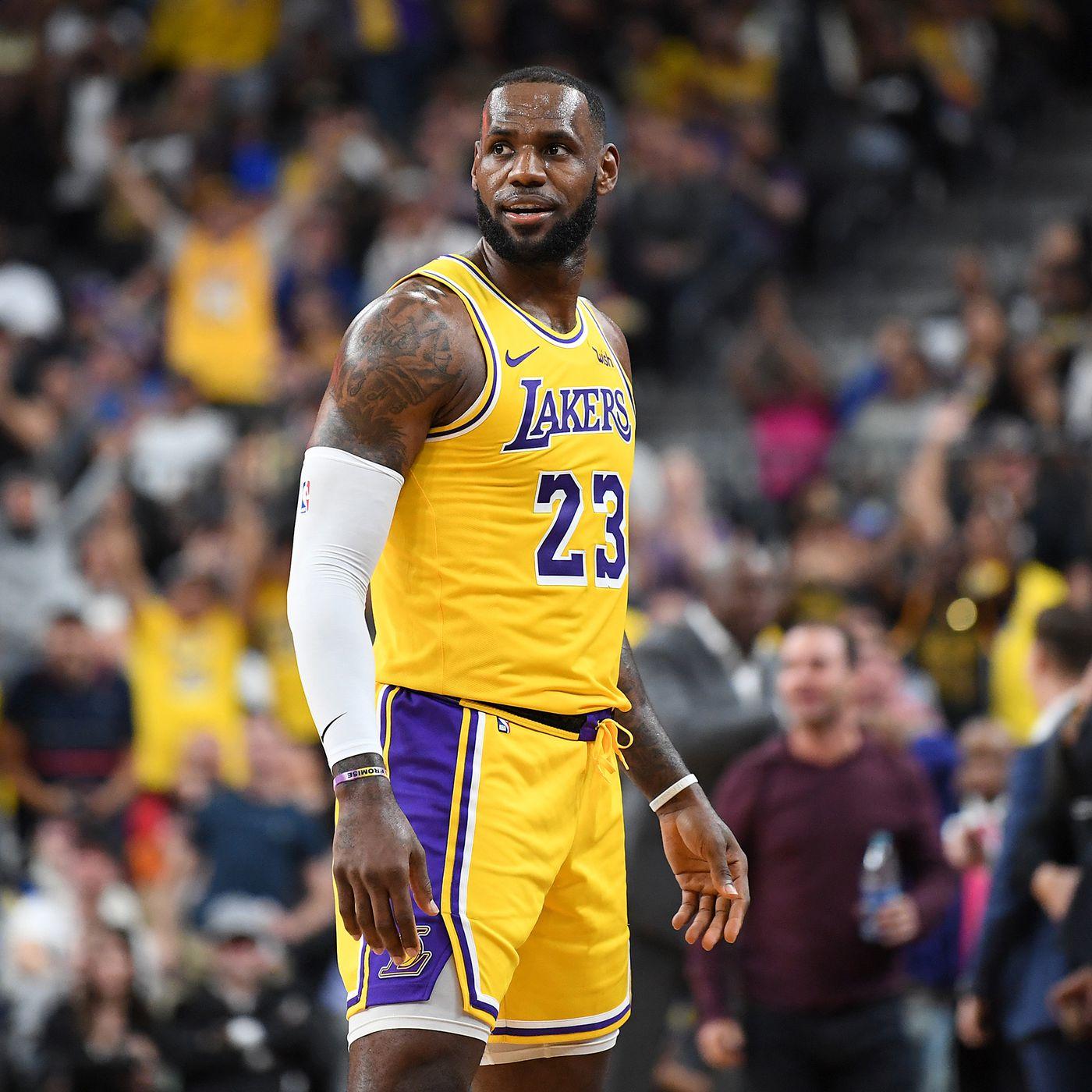 9e2ce8388 NBA Free Agent Rumors   Whispers  that Kawhi Leonard
