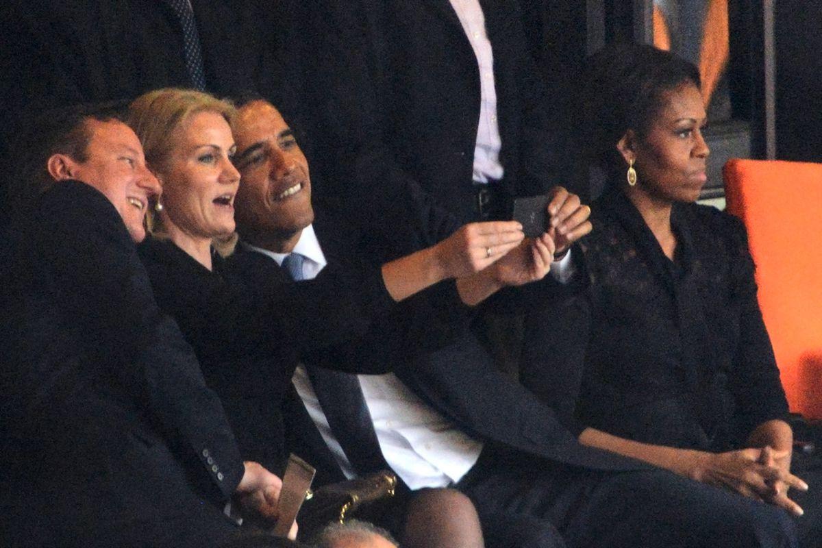 Obama Selfie (Getty / AFP)