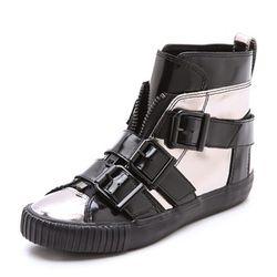 "Lyon buckle sneakers, $100 (were $345) via <a href=""http://www.shopbop.com/lyon-buckle-sneaker-31-phillip/vp/v=1/1588476253.htm""> Shopbop </a>"