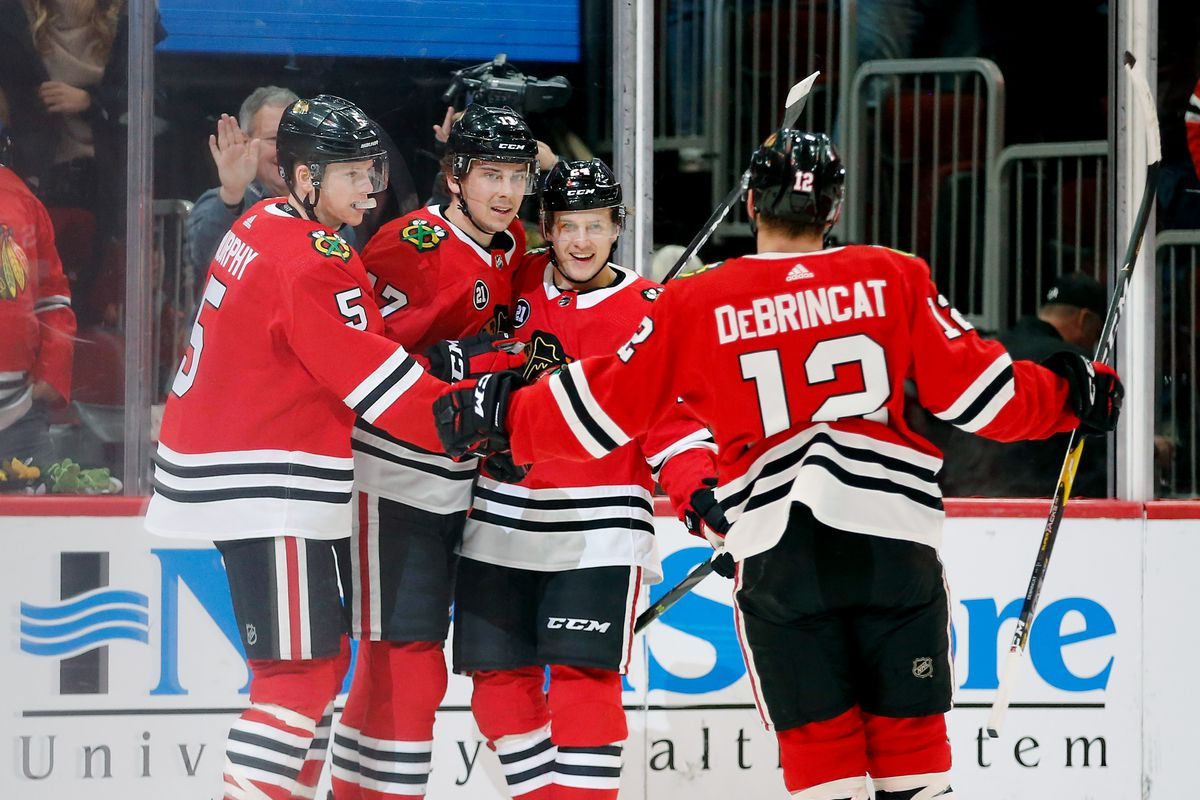 Blackhawks extend win streak to 7 with 5-2 victory over Red Wings 613afa032