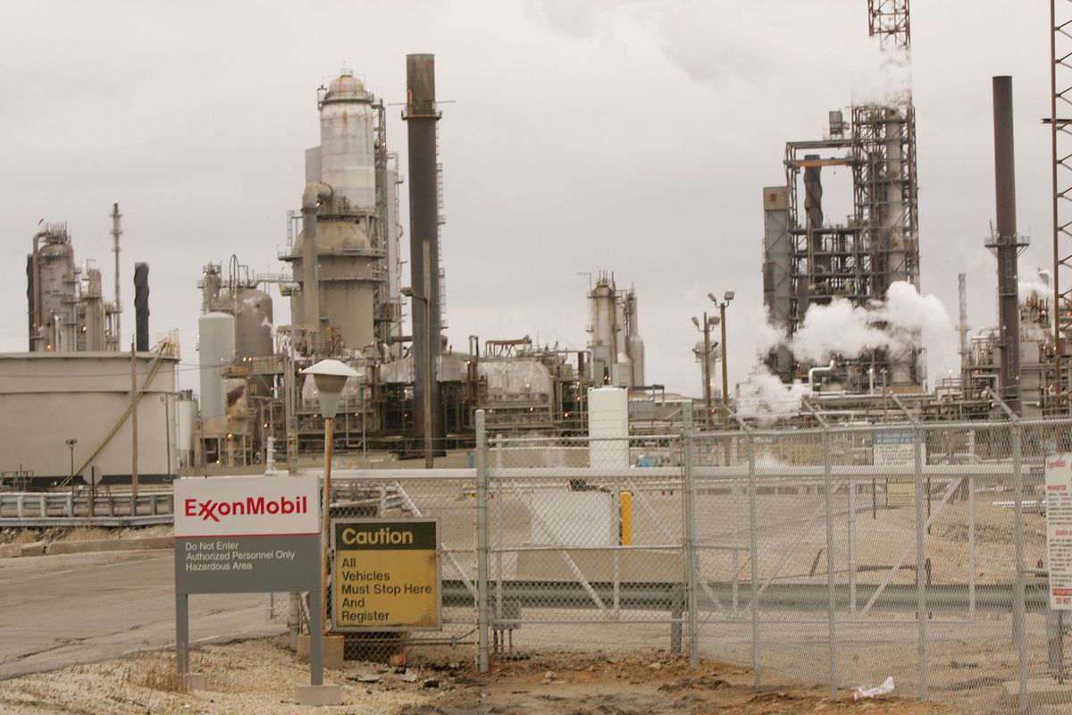 Exxons Carbon Tax Proposal Theres A Big Catch Vox Grant Fuel Filters An Exxon Mobil Refinery In Joliet Illinois The Company Announced Last Week That It Would Back And Dividend With 1 Million