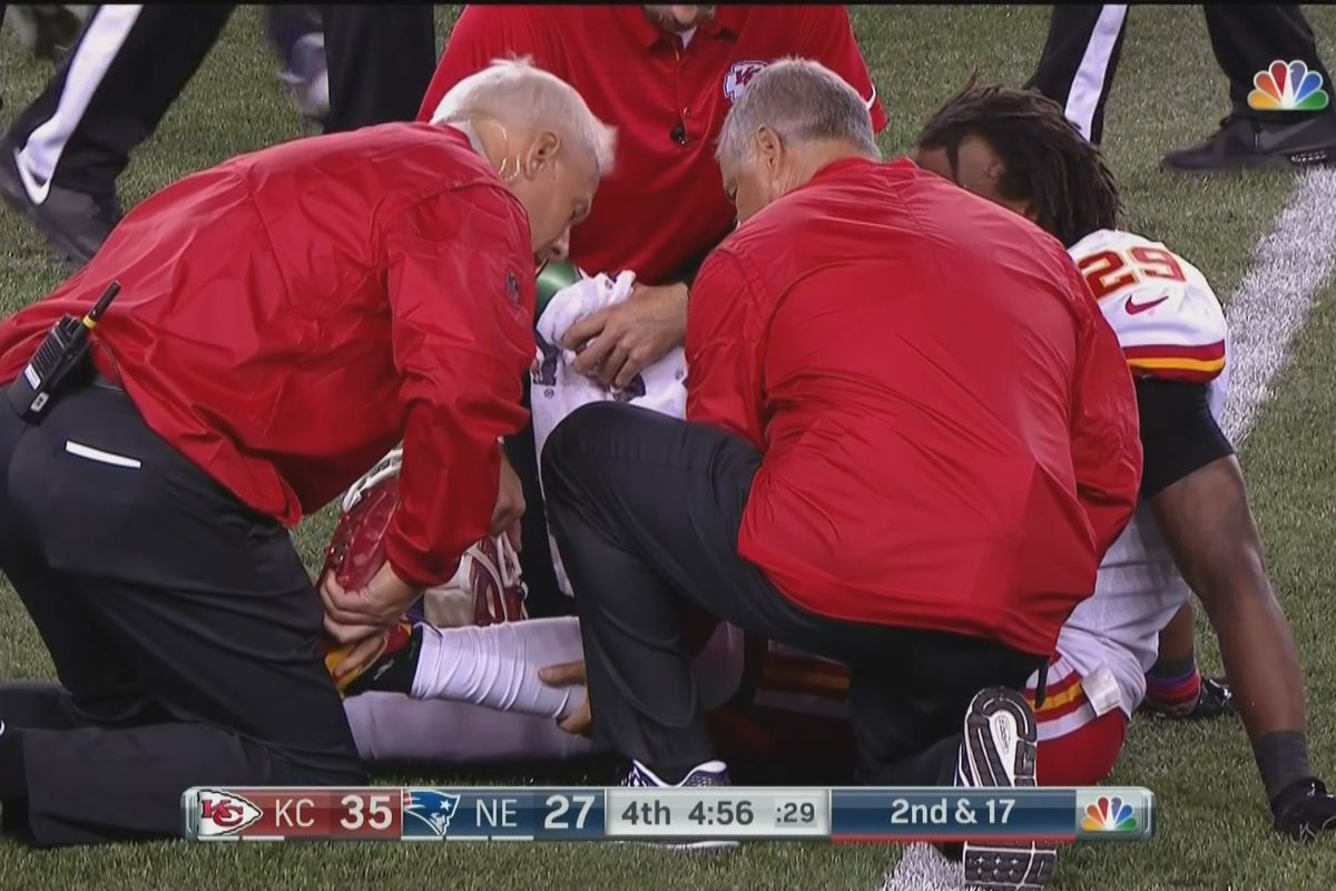 Eric Berry leaves Chiefs' opener with Achilles injury