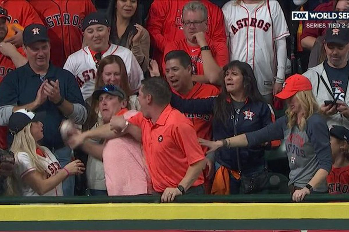 Astros fan steals HR ball and throws it back on field