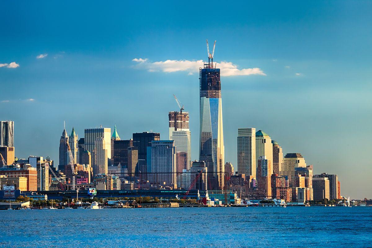 One World Trade on Manhattan skyline